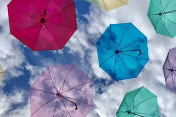 憂鬱な梅雨を吹き飛ばせ! オリジナル傘で雨の日もハッピーに★